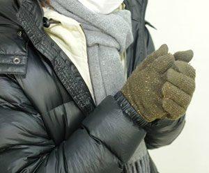 寒さ対策-服-部屋-窓-リビング階段-カーテン-突っ張り棒-方法-衣類画像