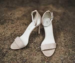 サンダル選び-ポイント-靴擦れ-予防-滑り止めパッド-画像
