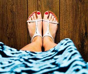 サンダル選び-ポイント-靴擦れ-予防-滑り止めパッド-足-画像2