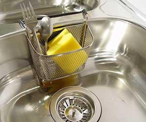 水回りが臭い-原因-排水口-排水管-虫-対策-封水-悪臭-蛇口画像2
