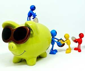 お金が貯まらない夫婦の特徴-画像