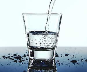 浄水器-種類-正しい使い方-グラス-画像