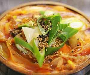 残り物-調味料-使い切る-バルサミコ酢-ナンプラー-豆板醤-オイスターソース-使い方-鍋料理