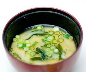 残り物-調味料-使い切る-バルサミコ酢-ナンプラー-豆板醤-オイスターソース-使い方-味噌汁