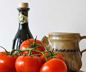 ウスターソースの作り方-簡単-野菜-果物-香辛料-煮込む-ソース-トマト-画像