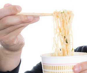 油揚げ麺-ノンフライ麺-違い-カロリー-脂質-画像