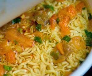 油揚げ麺-ノンフライ麺-違い-カロリー-脂質-カップラーメン画像