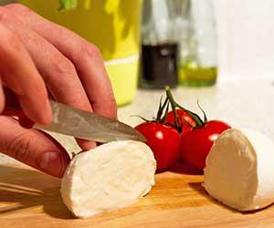 アリゴ-アヒージョ-作り方-カマンベールチーズ-モッツァレラチーズ-画像